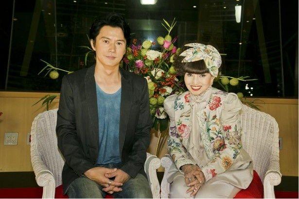 「出張!徹子の部屋」(テレビ朝日系)に初出演を果たした福山雅治と司会の黒柳徹子(写真左から)
