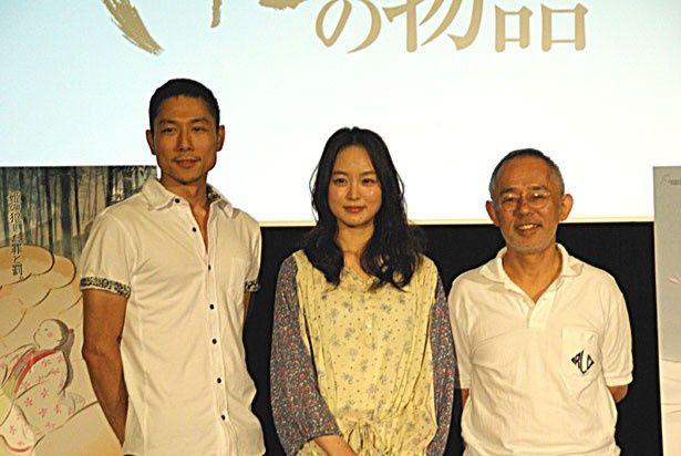 『かぐや姫の物語』中間報告会見にて。(左から)西村義明プロデューサー、朝倉あき、鈴木敏夫プロデューサー