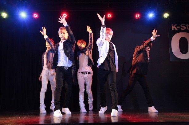 新世代K-POPグループMYNAMEがスターを目指す『新大久保物語』