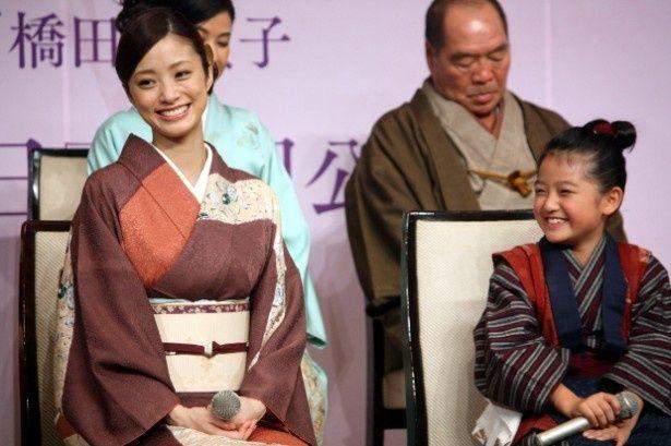 『おしん』で親子役で共演した上戸彩と濱田ここね