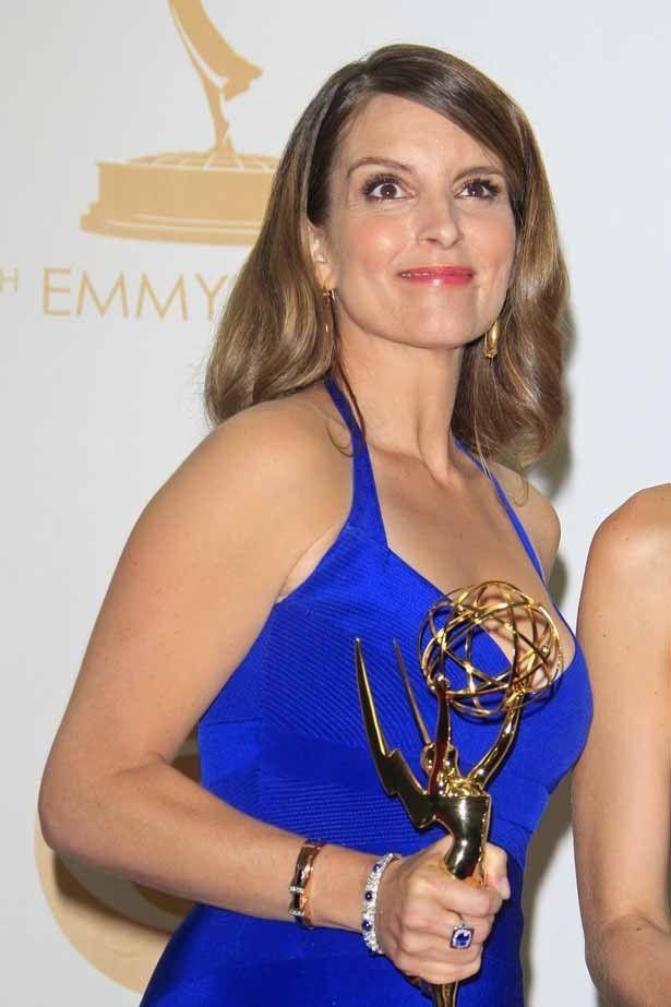 第65回プライムタイム・エミー賞の舞台で、ほんの一瞬だけ生乳首を露出してしまったティナ・フェイ