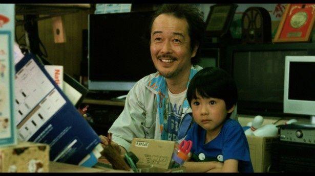 『そして父になる』でリリー・フランキーは町の電気屋を営む斎木雄大役