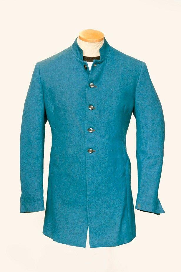 【写真を見る】先日オークションに出品された、ジョンが着用していたという青色の七分丈ジャケット