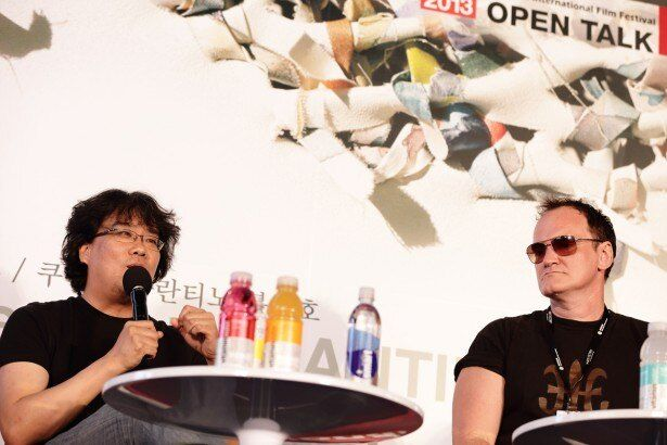 釜山国際映画祭で対談したタランティーノ監督とポン・ジュノ監督
