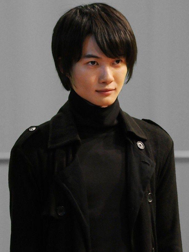 神木隆之介は、当麻の弟でスペックホルダーの一十一(ニノマエジュウイチ)役