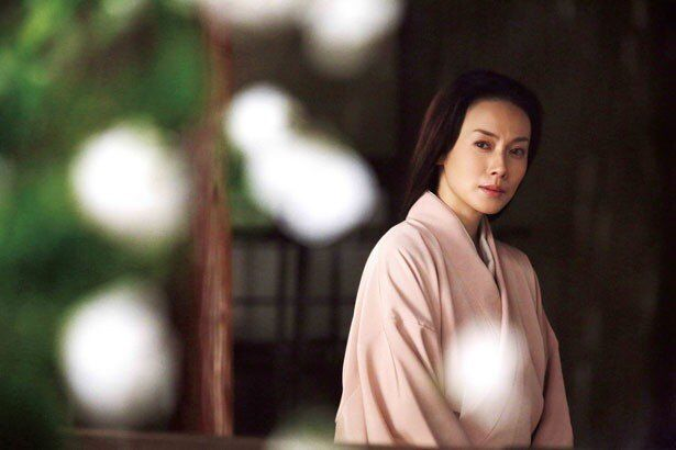 『利休にたずねよ』では千利休(市川海老蔵)の妻・宗恩を好演。儚げな姿が印象的