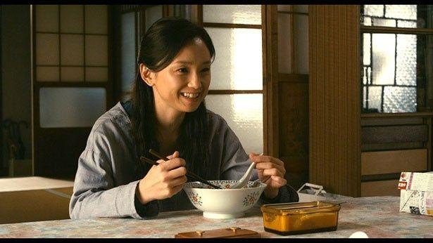 永作博美演じる高岩百合子が食べているのは紹介した塩ラーメン!
