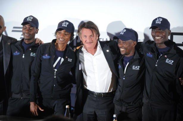 地震で甚大な被害を受けたハイチを救うため、人道支援団体を設立したショーン