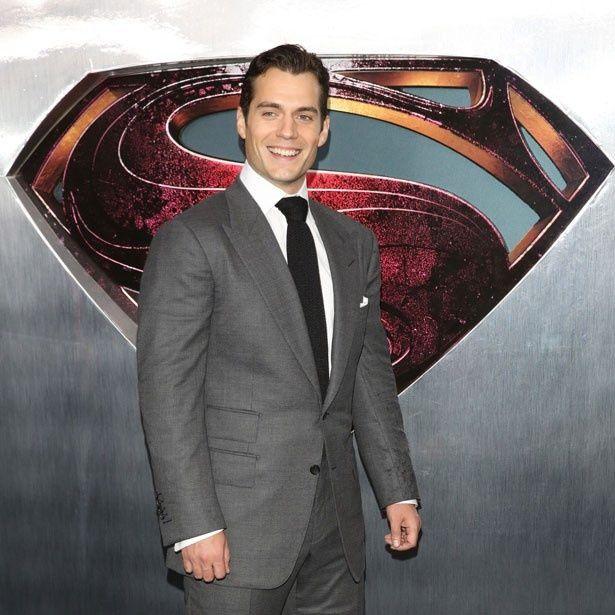 新スーパーマンことヘンリー・カヴィルが最もセクシーな男1位に!