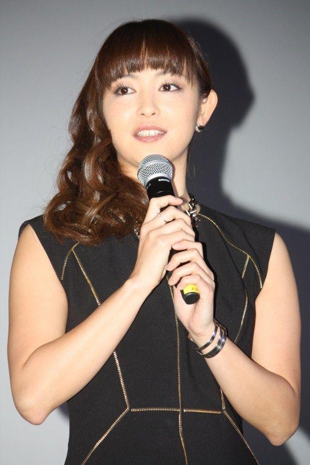 『受難』の初日舞台挨拶に登壇した岩佐真悠子