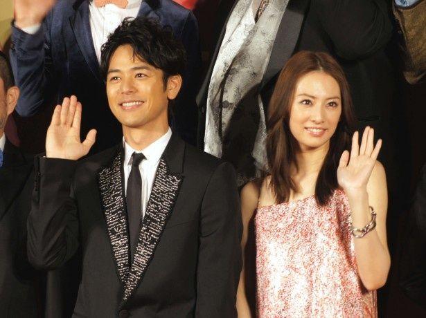 プレミアイベントに登場した妻夫木聡と北川景子(写真左から)