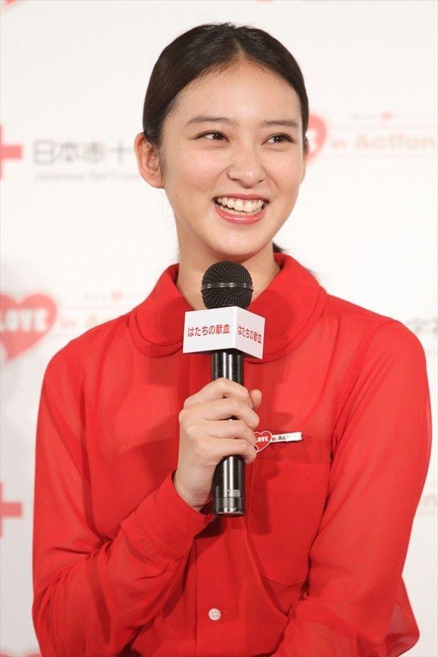 日本赤十字社のはたちの献血キャンペーンキャラクターに就任した武井咲さん