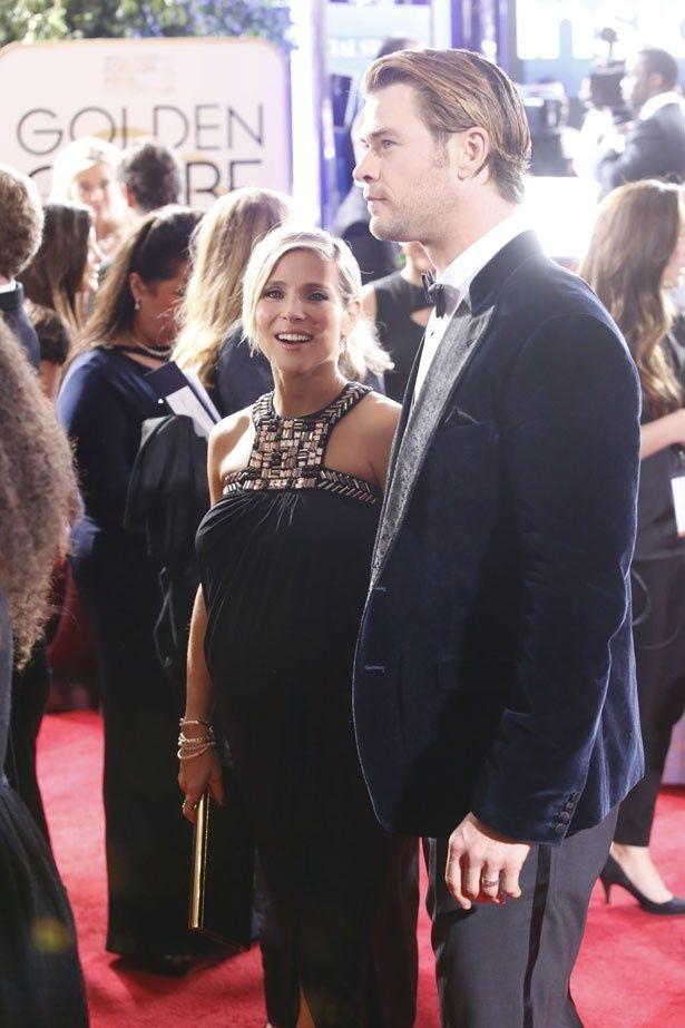 クリス・ヘムズワースと妊娠中の妻エルサ・パタキー
