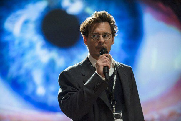 人工知能を開発研究する科学者に扮するジョニー・デップ
