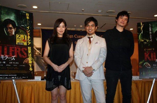 映画「KILLERS/キラーズ」の日本外国特派員協会上映会イベントに登壇した(右から)高梨臨、北村一輝、ティモ・ジャヤント監督