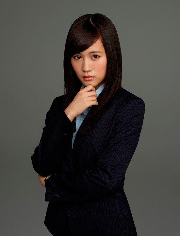 『エイトレンジャー2』でヒロインの西郷純(さいごうじゅん)役で出演する前田敦子