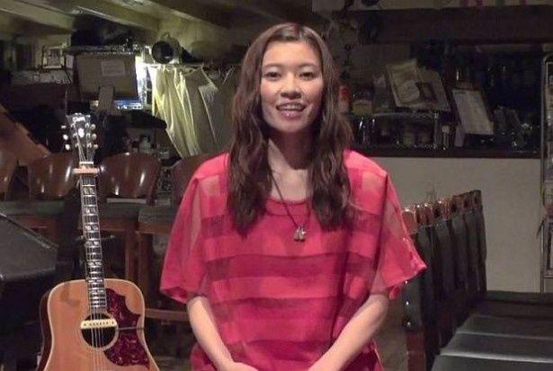 スペシャルサイトで見られる住岡梨奈さんのライブ映像