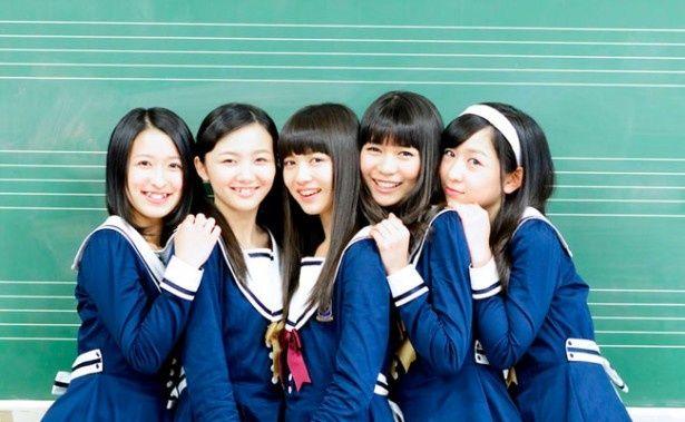 東京女子流のメンバーが着用する手越高校の制服はhaco.とのコラボによるものでかわいいと評判に