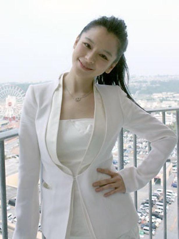 さすが台湾の国民的美少女、ポーズがかわいいビビアン