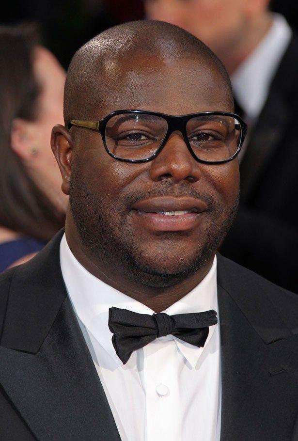 作品賞を受賞した『それでも夜は明ける』のアフリカ系イギリス人監督、スティーヴ・マックイーン