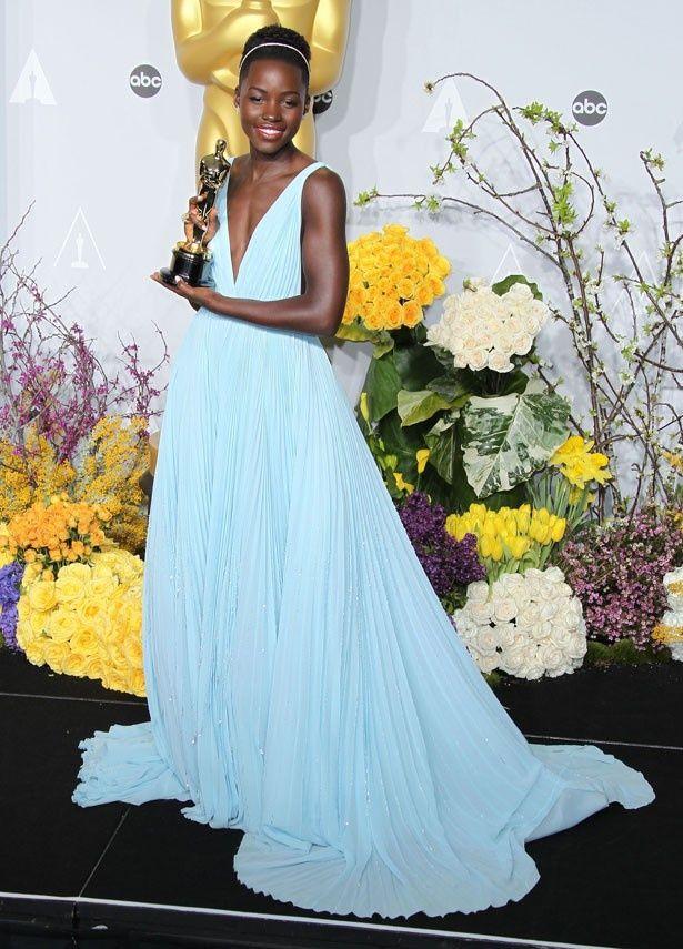 ルピタ・ニョンゴは『それでも夜は明ける』で助演女優賞を獲得
