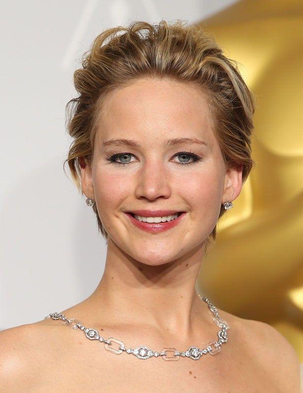 ジェニファーの親友ローラ・シンプソンという女性が、アカデミー賞でのスターについて語った!