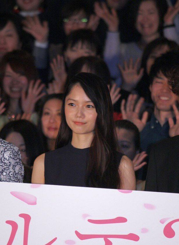 映画『神様のカルテ2』の舞台挨拶に登壇した宮崎あおい