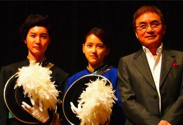 完成披露試写会で挨拶した桜田通、竹富聖花、西郷輝彦(写真左より)