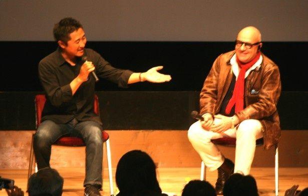 「イタリア映画祭2014」で想田和弘監督(左)とジャンフランコ・ロージ監督(右)によるトークセッションが行われた