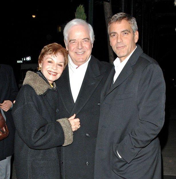 息子ジョージ・クルーニーの結婚を喜ぶ母ニナと父ニック