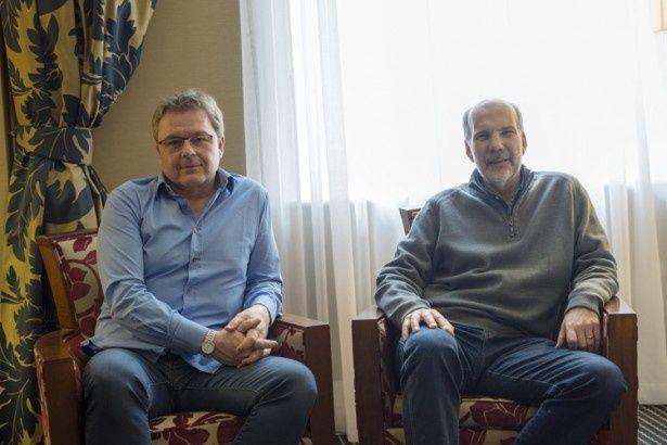 向かって左がパトリック・モリス、右がニール・ナイチンゲール