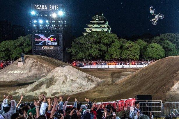 Red Bull X-Fighters2013の様子。あの興奮が再び大阪城西の丸公園に帰ってくる!