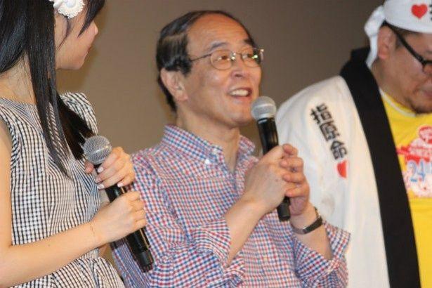 劇中で踊りまくっている志賀廣太郎