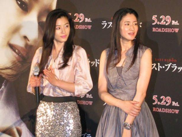 ともにモデルでデビューのチョン・ジヒョン(左)と小雪。まさに美の競演