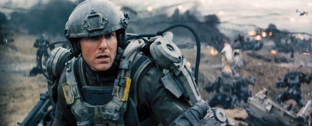 洗練されたヒーローを演じることが多いトムが臆病者の演技を披露