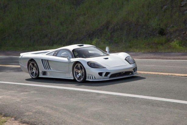 【写真を見る】レーシングドライバー、スティーブ・サリーンが設立したサリーンのオリジナルモデル、サリーンS7