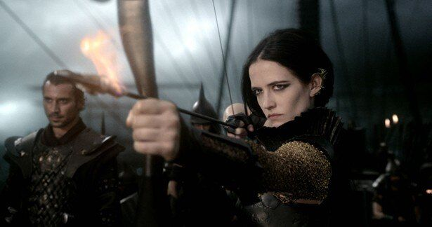 『300 スリーハンドレッド 帝国の進撃』で強い女戦士を演じたエヴァ・グリーン