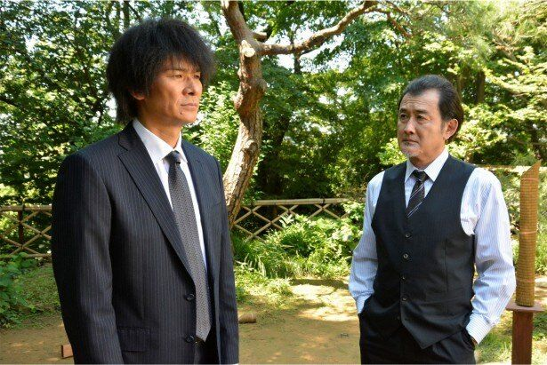朝倉と吉田鋼太郎演じる元警視総監・鶴川との対決も最終話でいよいよ決着。危険思想を持つ鶴川の野望を朝倉は阻止できるか?