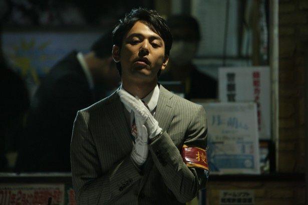 藤島の元部下で刑事役を演じた妻夫木聡。中島監督とは『パコと魔法の絵本』(08)以来のタッグとなる