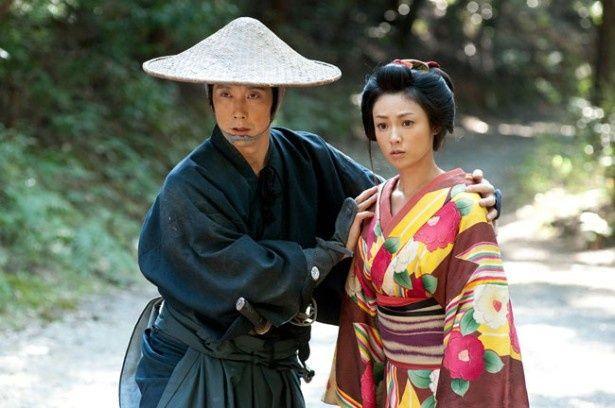 幕府からの無理難題を必死に乗り越えようとする弱小藩士たちの姿を描いた『超高速!参勤交代』