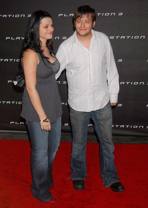 離婚したエドワード・ファーロングとレイチェル・ベラ