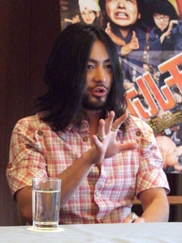 パパイヤ鈴木振付のDVDでオニ語を習得した山田は「シュールでした」と一言