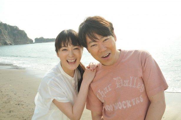 ドラマスペシャル「ママが生きた証」で夫婦役を演じる阿部サダヲ、貫地谷しほり
