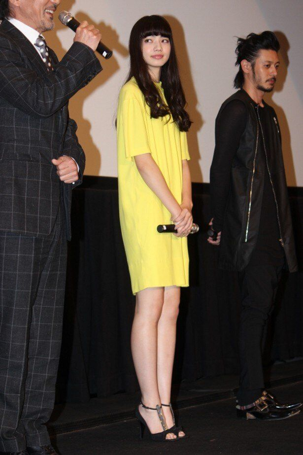【写真を見る】本作でブレイク!小松菜奈は、黄色の爽やかワンピースで登壇