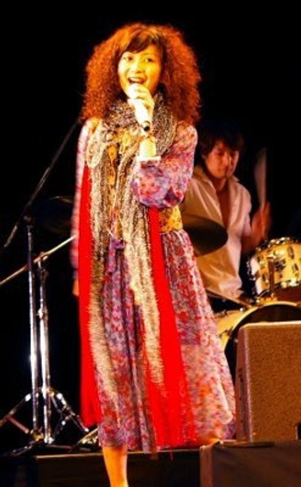 持田香織は「田島さんから『せんせ〜い!』という気持ちで歌うんだよと指導を受け、はるかちゃんを思い浮かべて歌いました」と語った