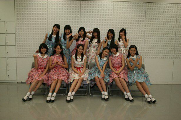 「SUMMER STATION LIVE」の8月8日(金)のステージに出演するX21の吉本実憂ら