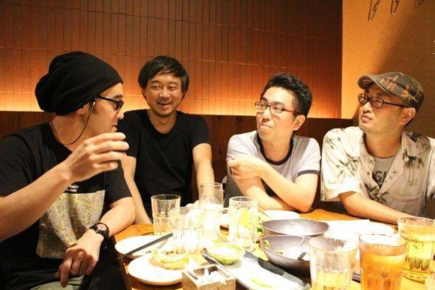 映画談議はまだまだ終わらない!参加してくれたのは、(左から)相馬学さん、高橋諭治さん、相田冬二さん、村山章さん