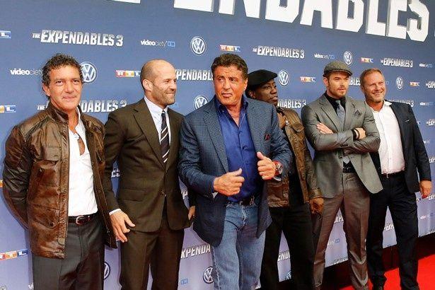 左からアントニオ・バンデラス、ジェイソン・ステイサム、シルヴェスター・スタローン、ウェズリー・スナイプス、ケラン・ラッツ
