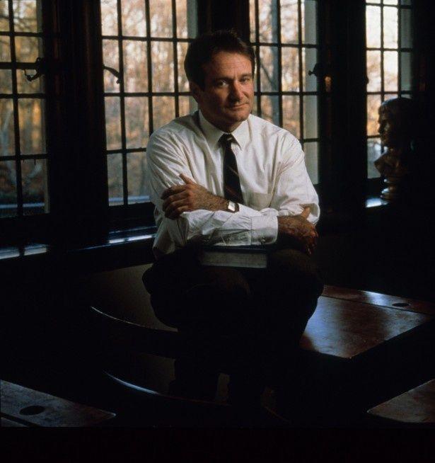「いまを生きる」で心優しい英語教師を演じたロビン・ウィリアムズ