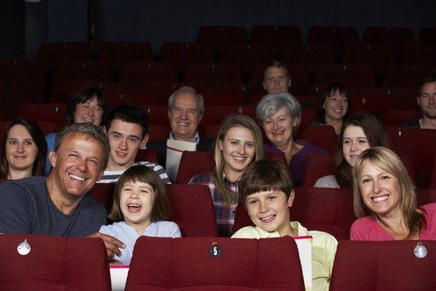 楽しい映画を観れば、子供も大人もみんな笑顔!